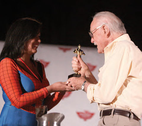 Stan Lee receives an award for 'Best Cameo' at the 2017 Phoenix Comicon.